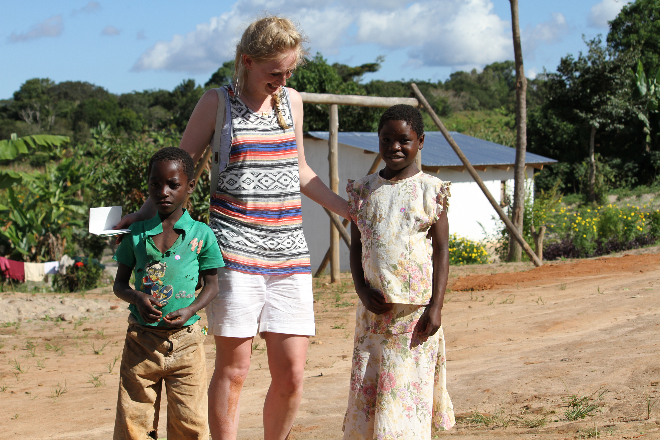 Julie Thornhill DIT with Malawian kids