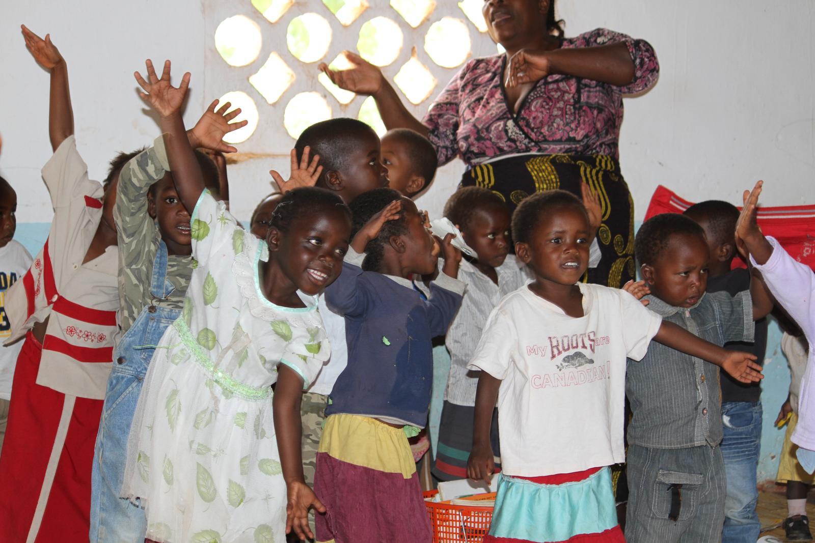 More Singing in Mica preschool with Gen