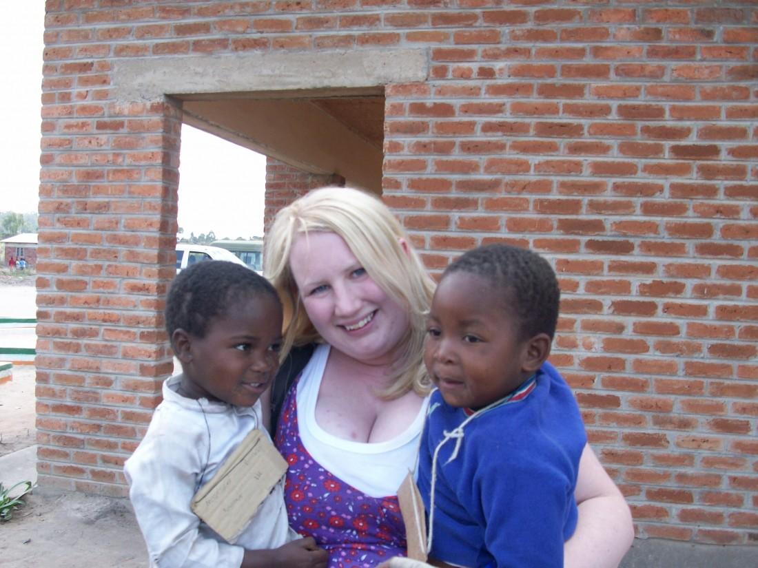 Jacquie Ryan with kids 2009