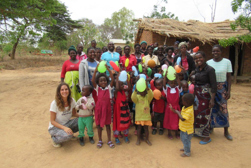 Visit to Mini preschool, Choma group outside